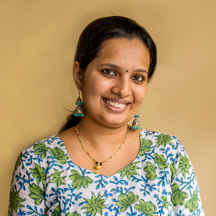 Dr. Aparna, the consulting physician of Oneworld Ayurveda retreat center in Bali has a Ph.D. in the science of Ayurveda